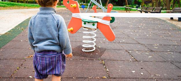 Recull d'articles publicats i de recerques sobre els efectes de la crisi del COVID-19 en els infants